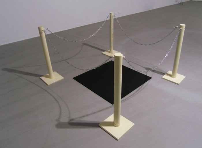 Alex Gawronski, Black Square, Stand-Off 1